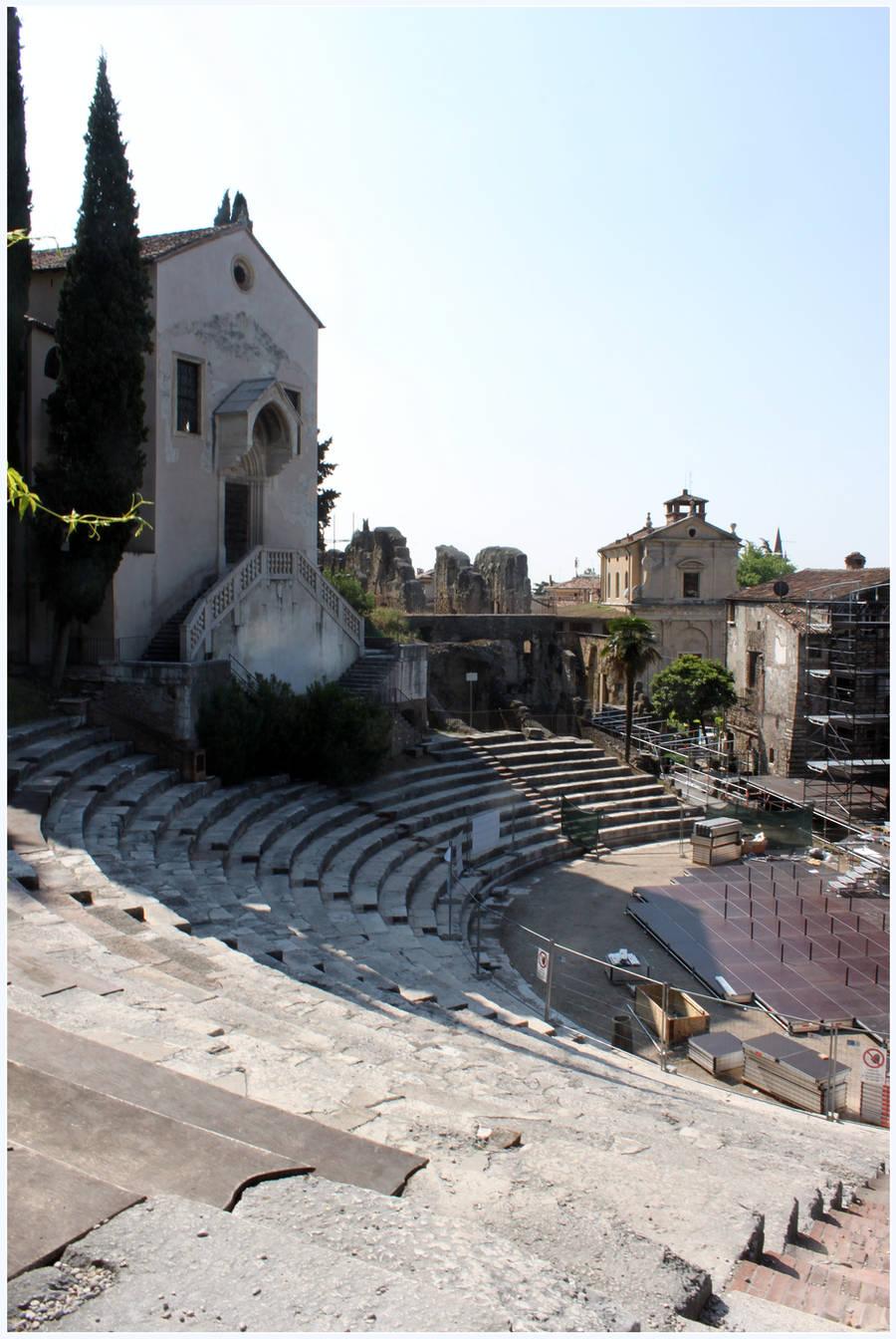 Roman Ampitheater by kamuidestiny
