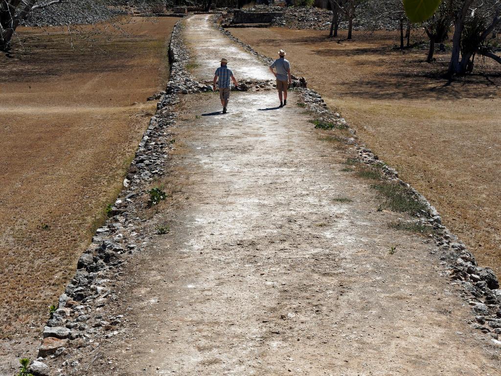 Sacbe the White Road by kamuidestiny