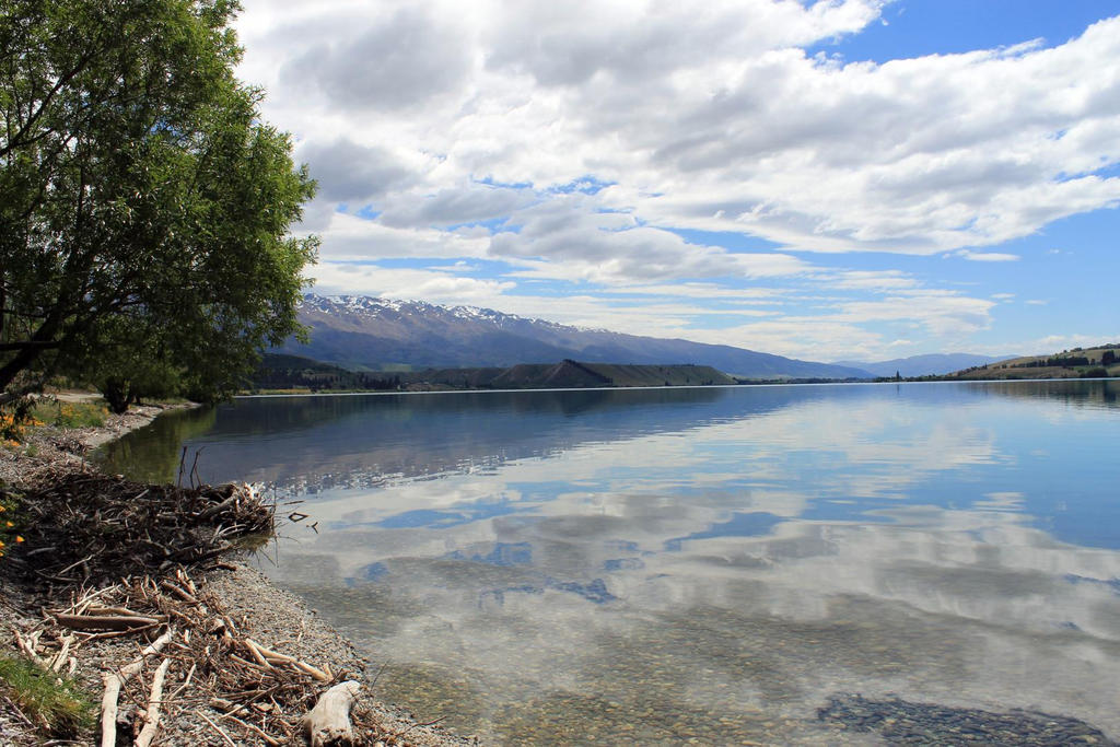 Lake Dunstan Above Cromwell by ARC-Photographic