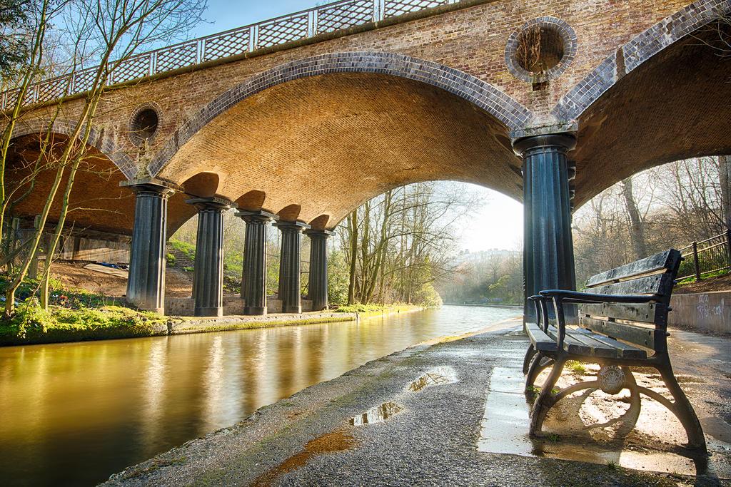 Regent's Canal by lashrasch