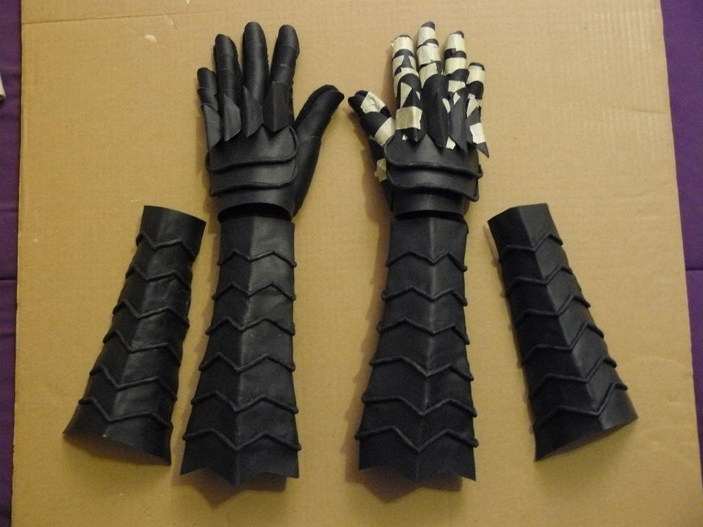 Black leather gloves dark souls - Samuicosplay 7 0 Dark Souls Black Knight Gauntlets And Bracers Wip By Silvericedragon1