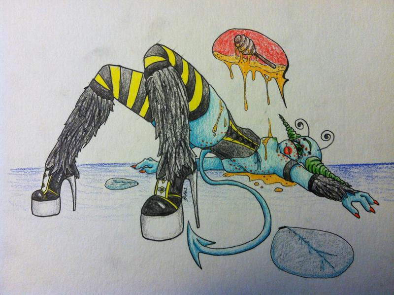 Queen Bee by bitesandkissesX