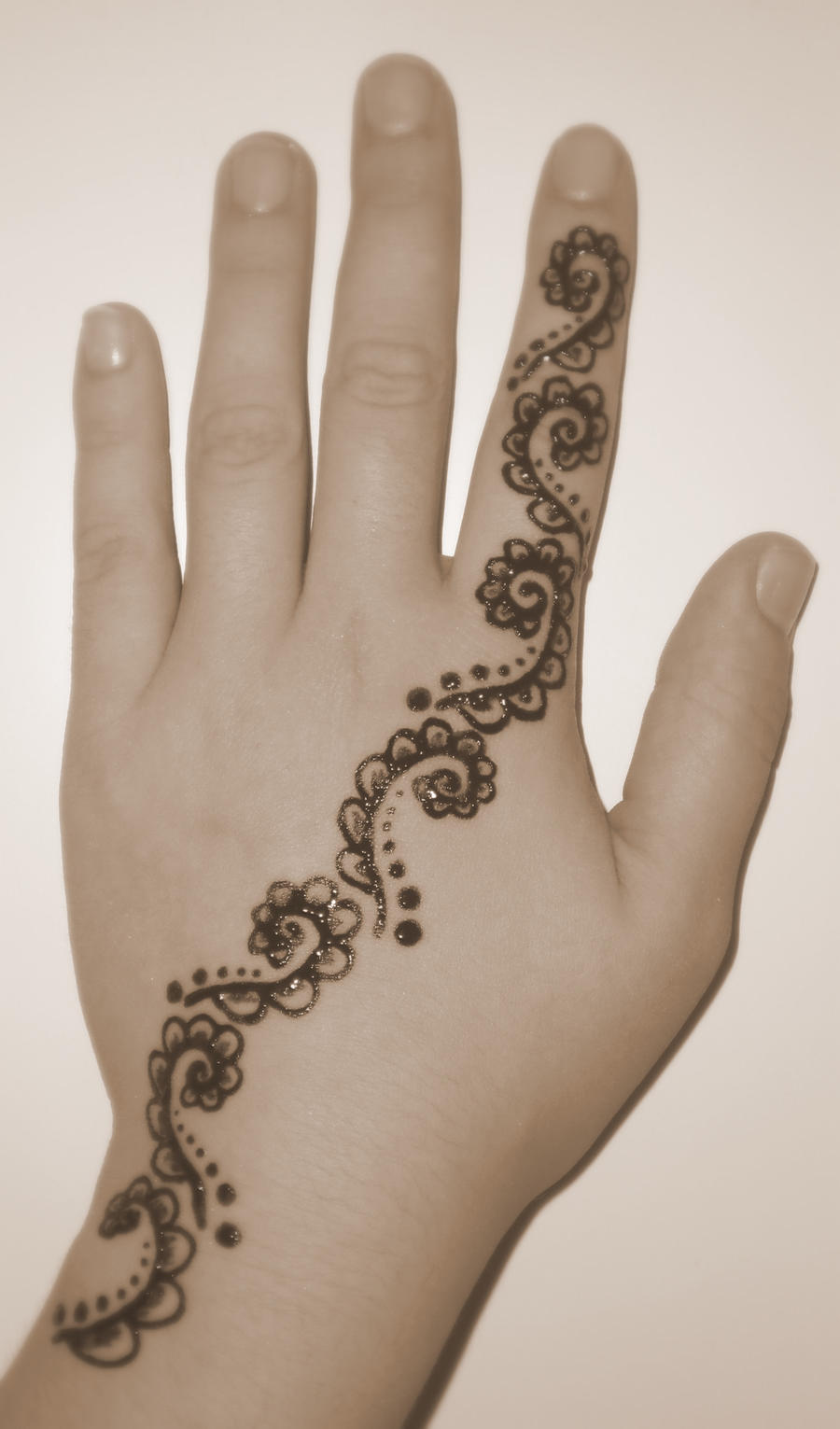 Henna tattoo by silentcry89 on deviantart for How is a henna tattoo done