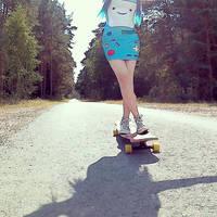 B-mo can skate, too