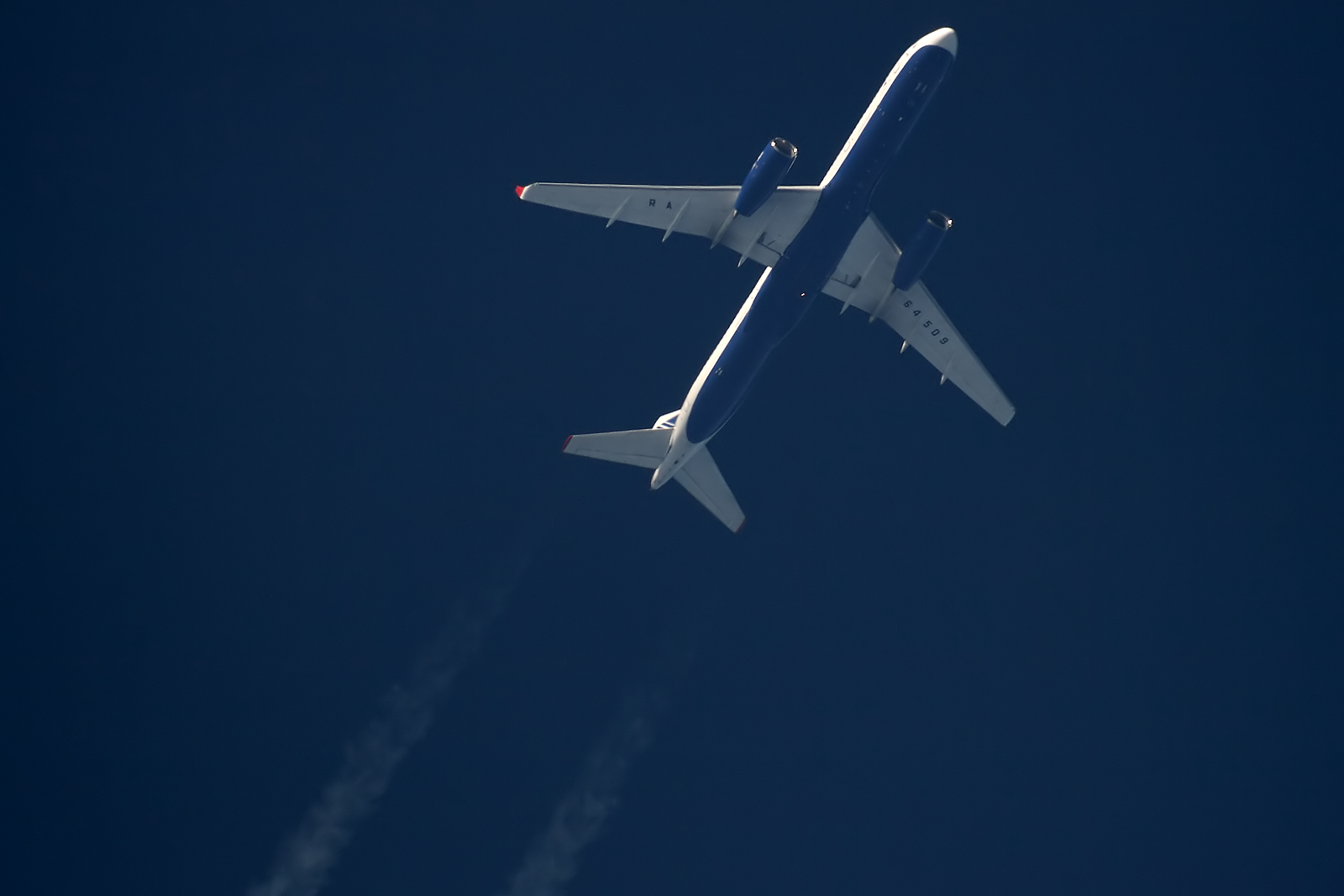 Tu-214 Transaero - RA-64509 - TSO9159 [DME-CFU]