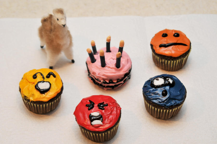 Emoticon Cupcakes by LDFranklin