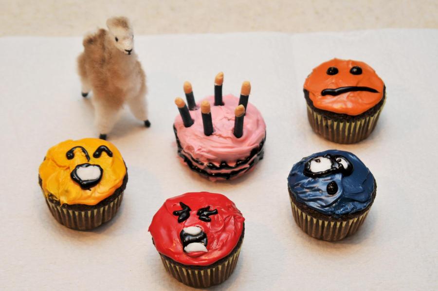 Emoticon Cupcakes by LDFranklin