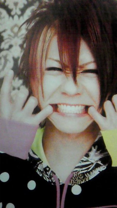 Yuji's adorable smile by mrsuzzy