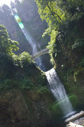 Full Multnomah Falls diagonally view by A1Z2E3R