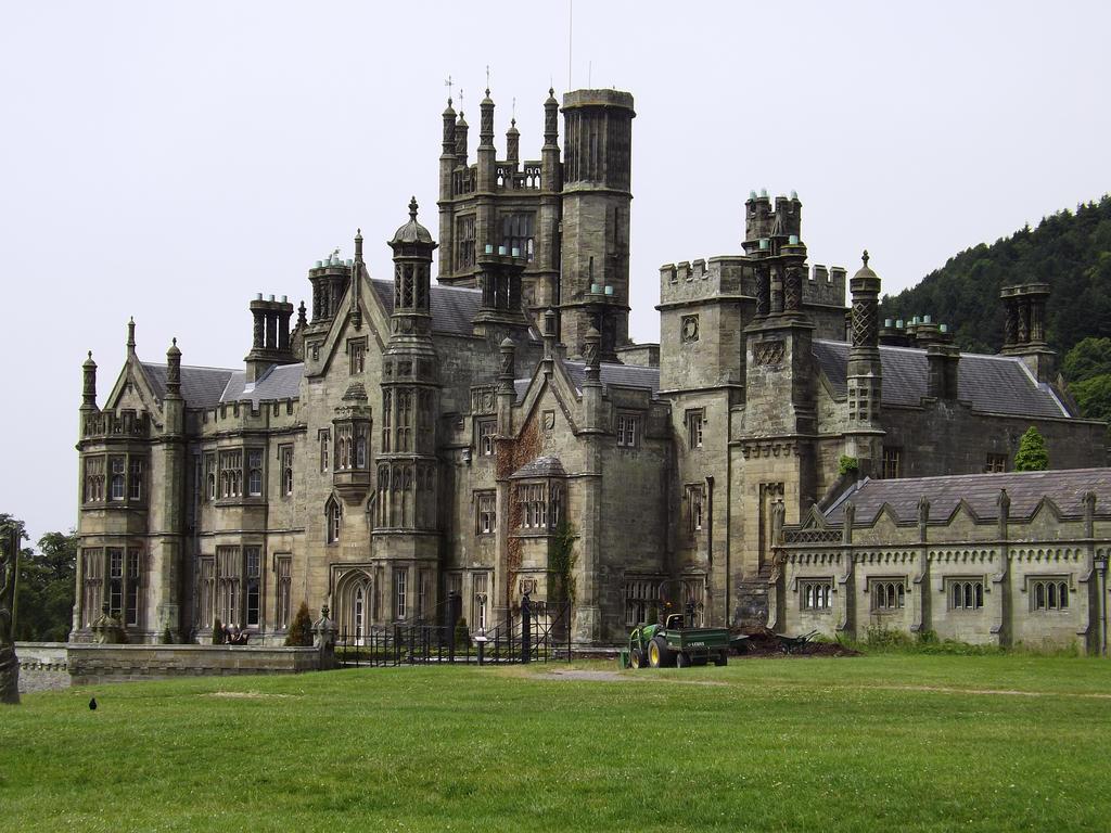 Tudor Gothic Style By NonyeB
