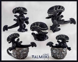 Tiny xenomorph by Valmiiki