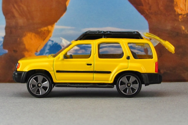 2000 nissan xterra xe yellow sz mb by. Black Bedroom Furniture Sets. Home Design Ideas