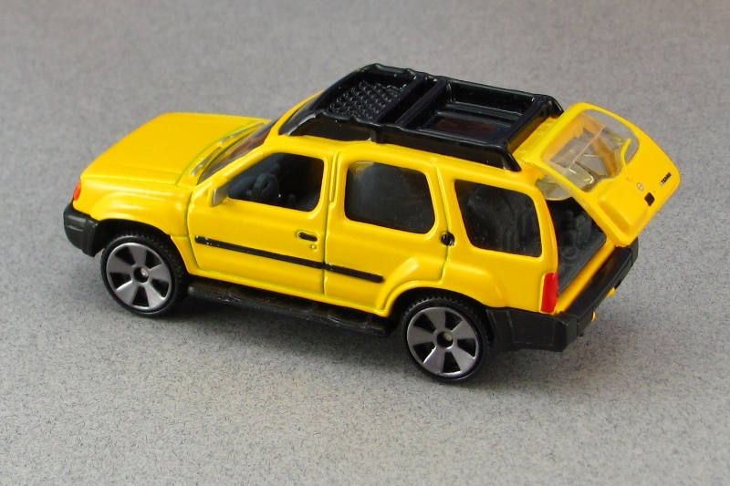 2000 nissan xterra xe yellow tr mb by. Black Bedroom Furniture Sets. Home Design Ideas