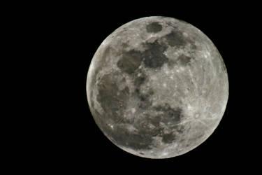 Luna by abekowalski