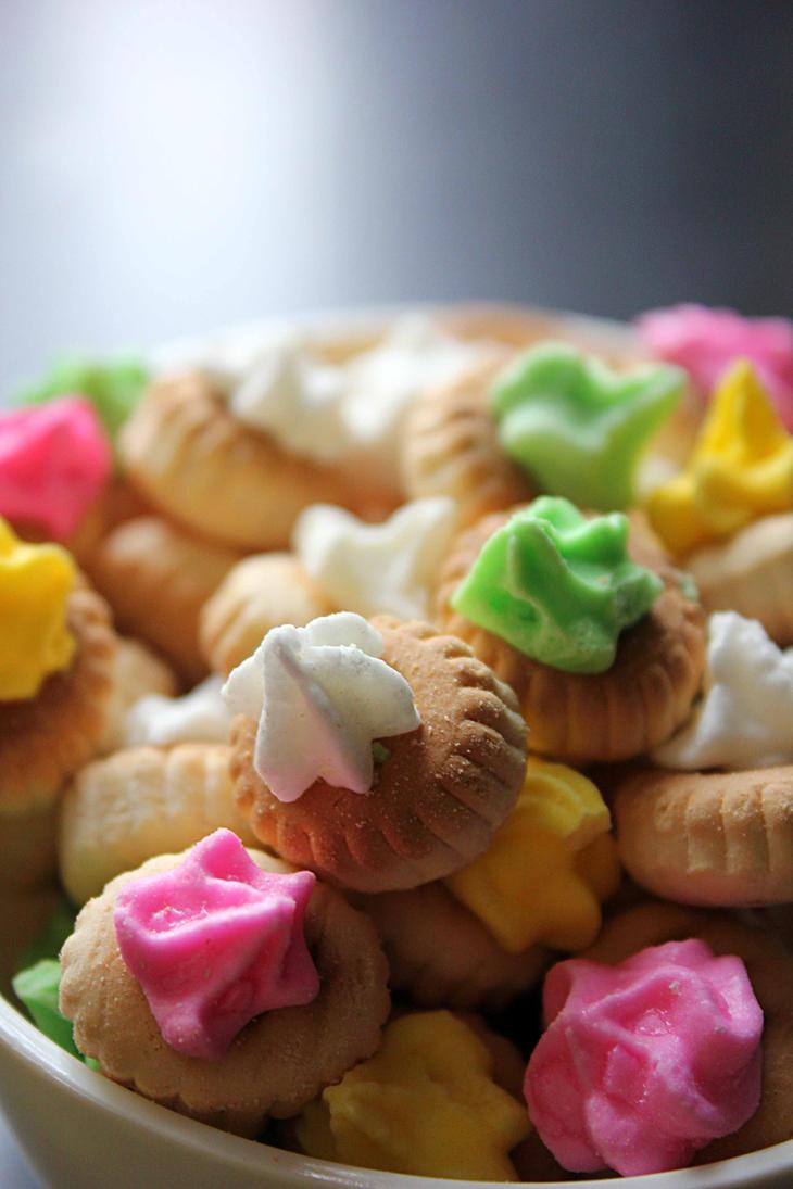 http://th08.deviantart.net/fs70/PRE/i/2013/314/8/1/khong_guan_fancy_gem_biscuits_iv_by_momo_zhao-d6tu0gz.jpg