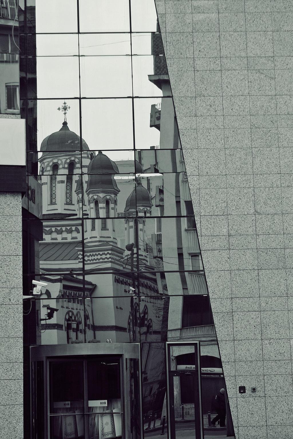 Gray City by VasiDgallery