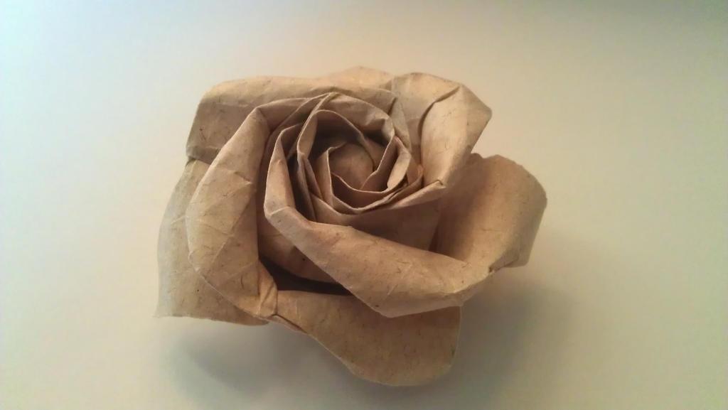 Origami Rose by Kamalicious