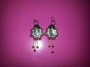 Flower christmas ball earrings