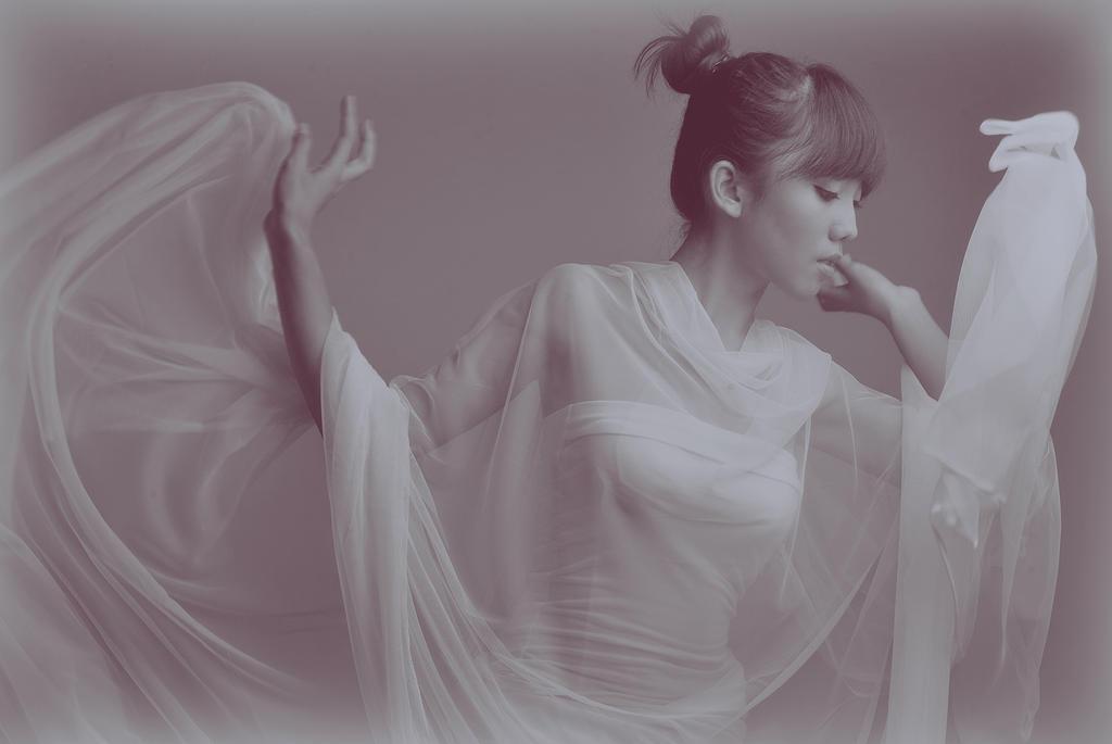 Fine Art Moving cloth by poshart