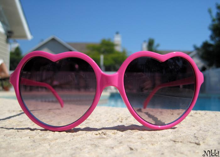 Heart Shaped Glasses by VivaLaNikki