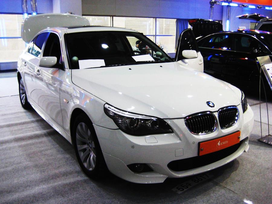 hd wallpapers white. Wallpaper White BMW 5-Series