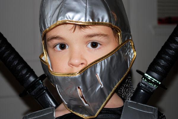 Knight in Shimmering Armor by kazetaran