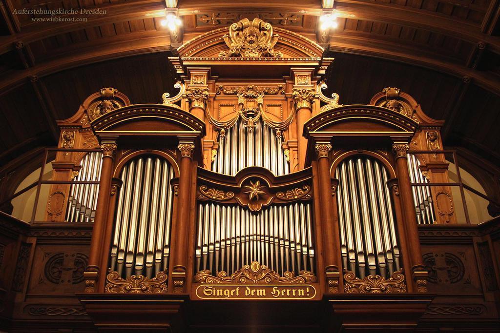 Auferstehungskirche, Orgel by wiebkerost