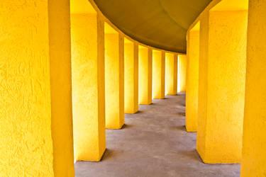 Walls of Light by kasxp