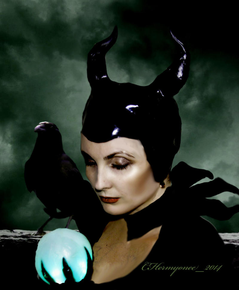 Maleficent the evil queen by Hermyonee