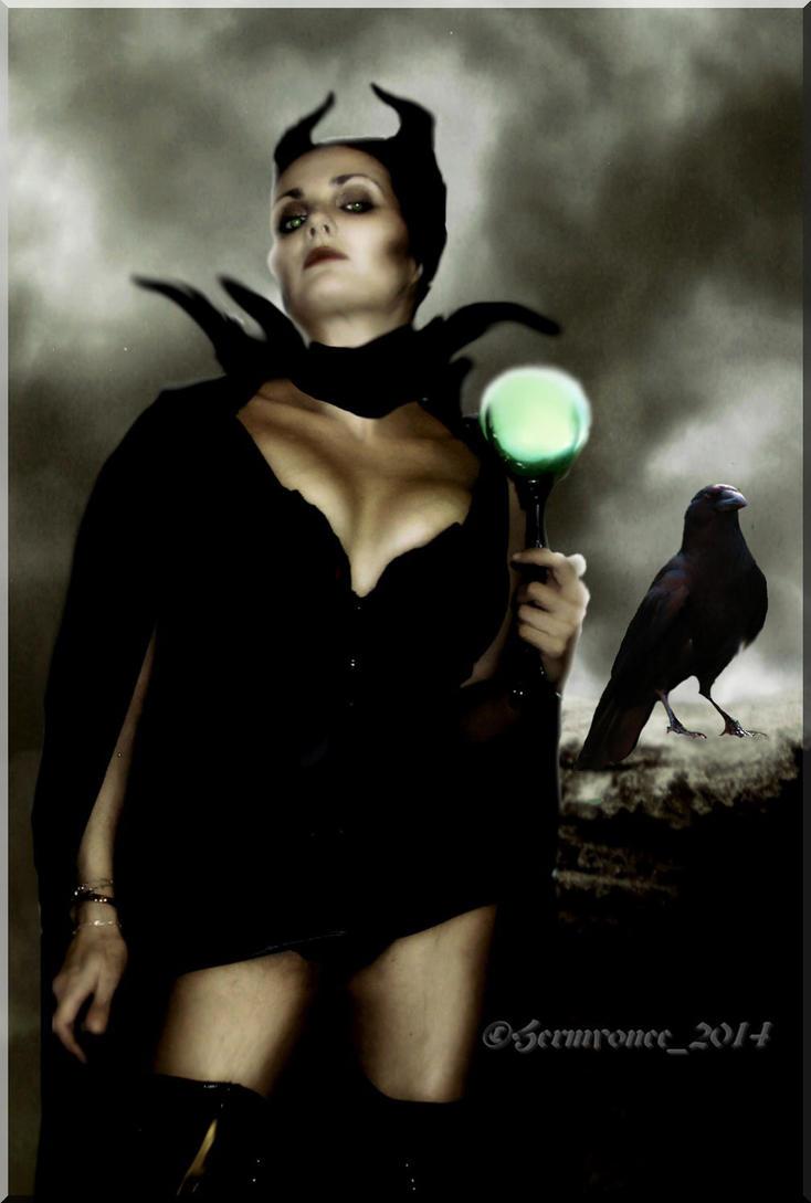 sexy Maleficent by Hermyonee
