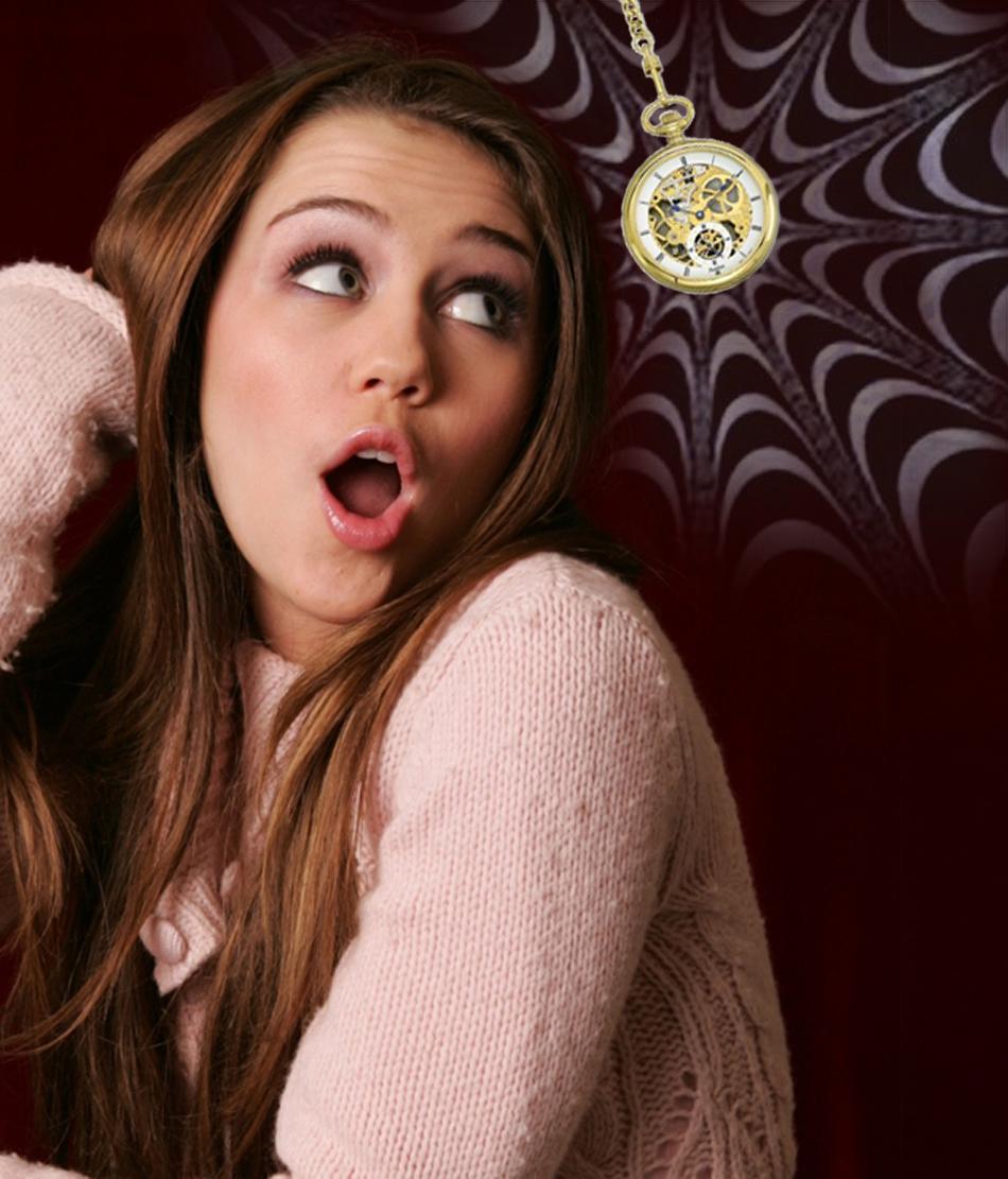 Hypno Miley Cyrus by theeyeshavehills