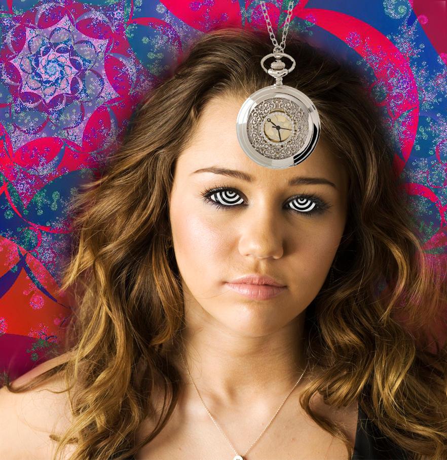 Sleepy Miley Cyrus by theeyeshavehills