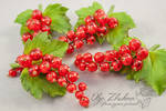 Brooch with red currants