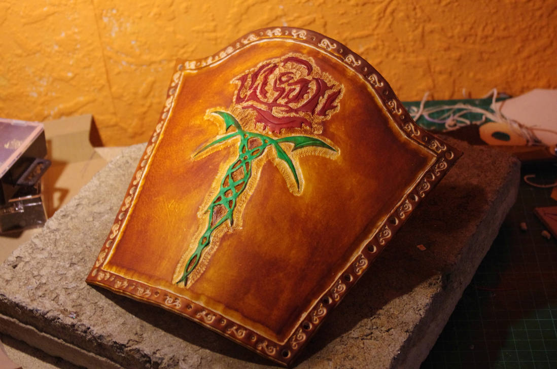 Rose leather armor by SchmiedeTraum