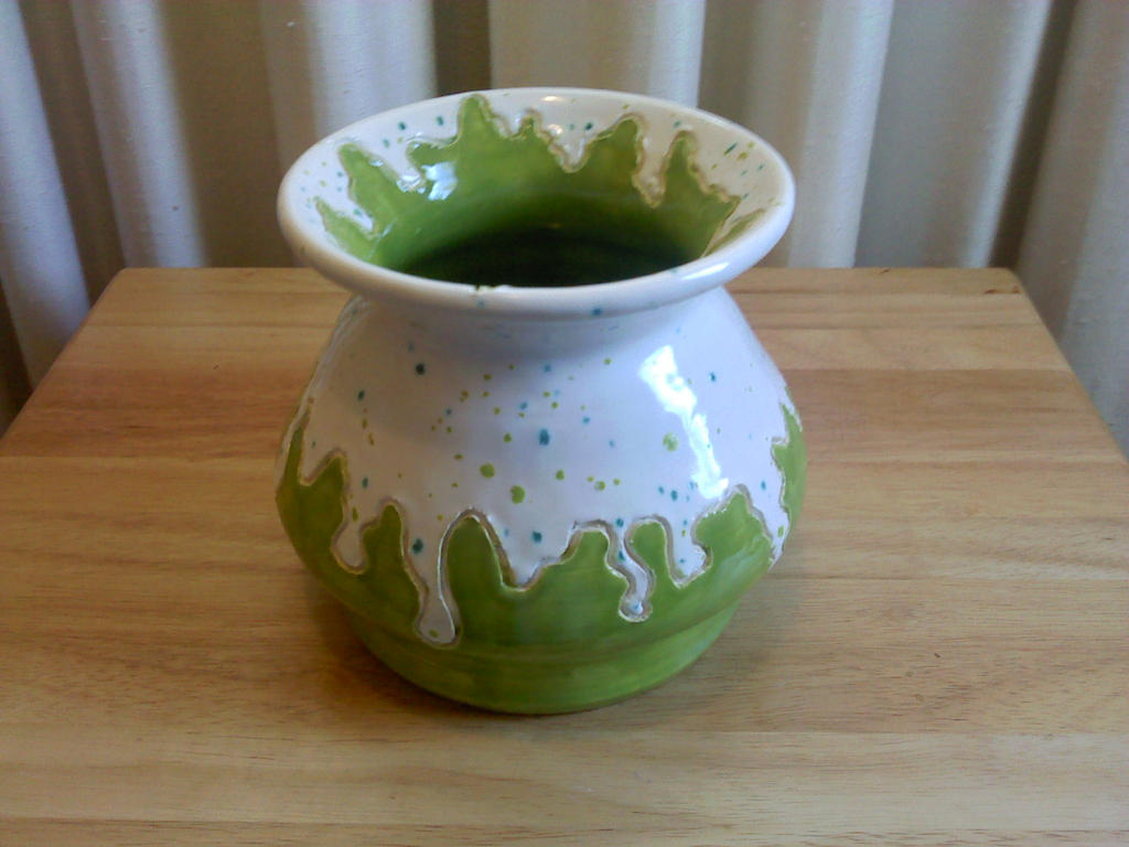 Green Vase 2 by SaraiS23