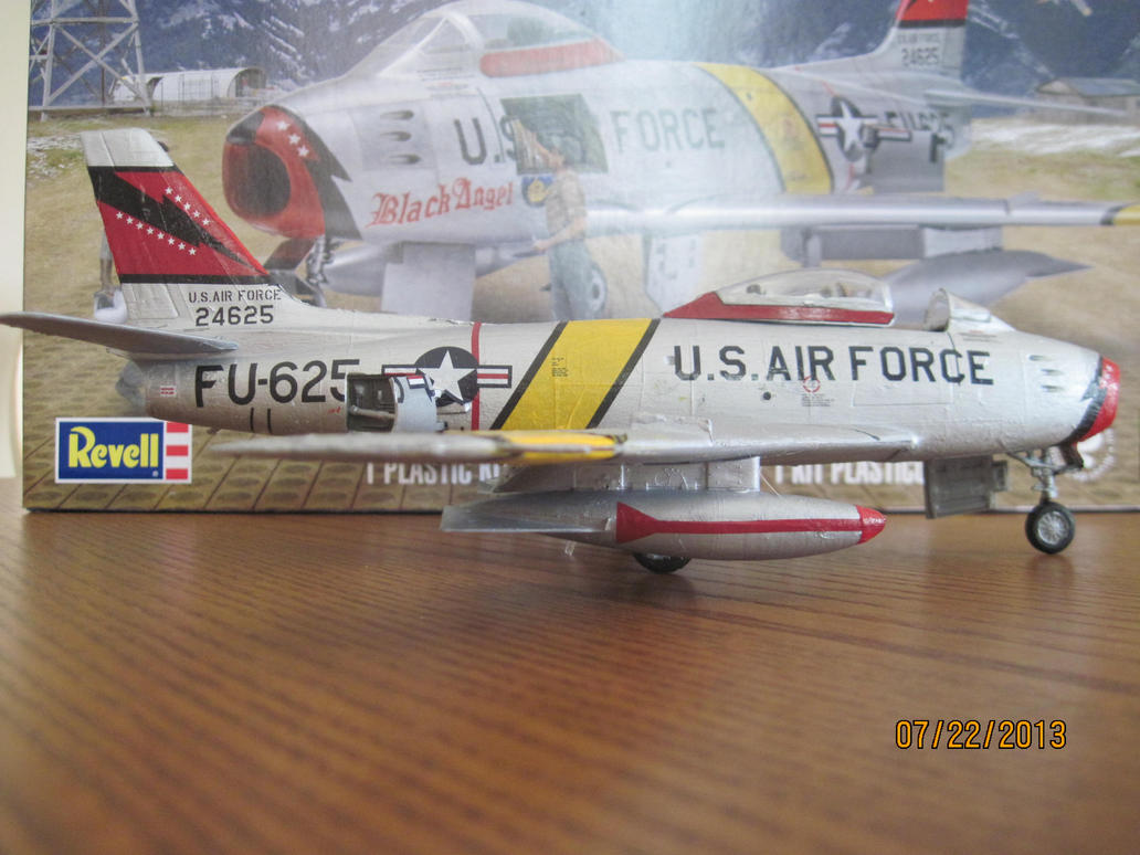 F-86F Sabre Jet: Right Side by cloudyrainbow561