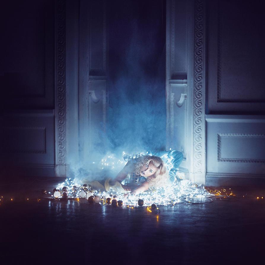 Smoke II by Marhiao