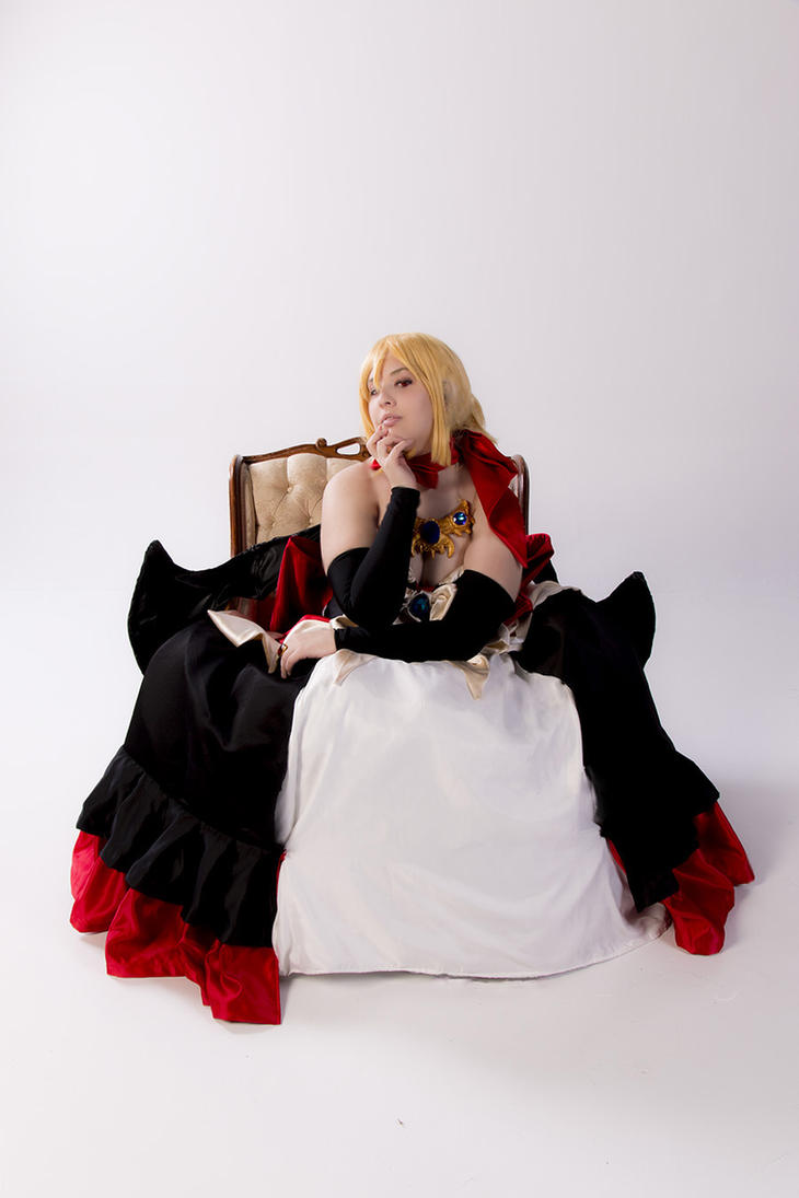 Disgaea 2 - Rozalin on her throne by visuvampy
