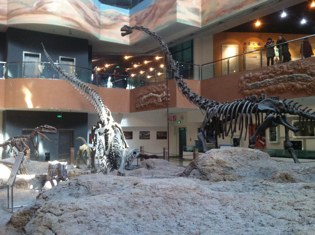 Klamelisaurus and Predators