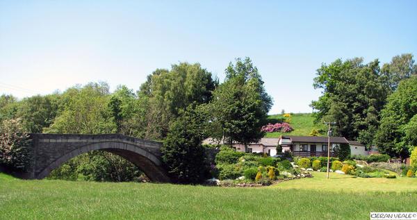 Riverside Cottage by kieranan