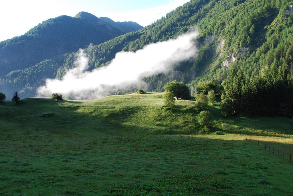 cloud in the mornin' by NaruLuvzRamen