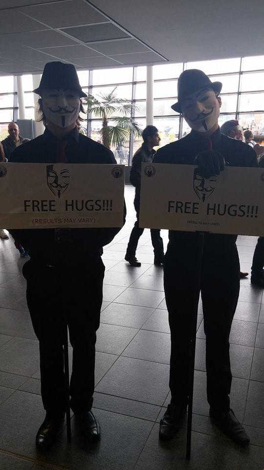 FREEEE HUGGGS! by mikey900