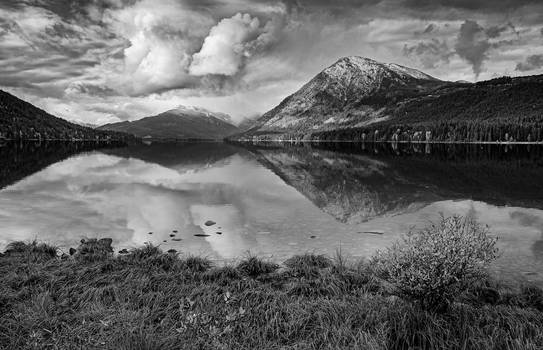 Lake Wenatchee black and white