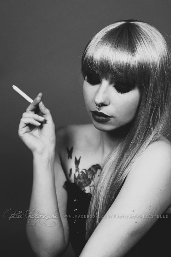 fleur morte with cigarette by estelle photographie on deviantart. Black Bedroom Furniture Sets. Home Design Ideas