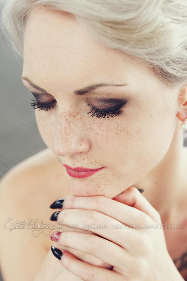 Pale Beauty by Estelle-Photographie