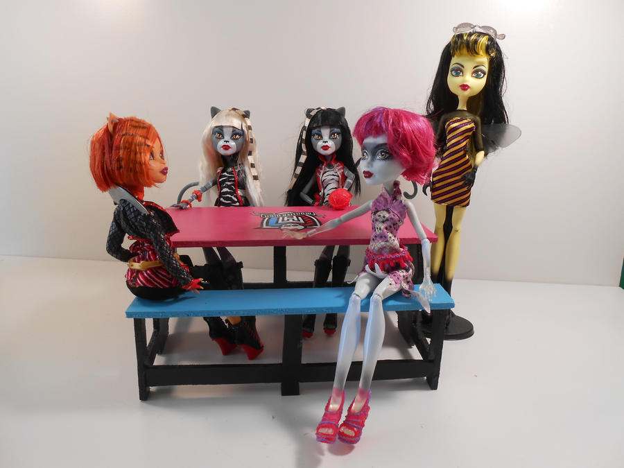 Monster High Furniture Creepateria Lunch Table 2 By Monsterminicustoms On Deviantart