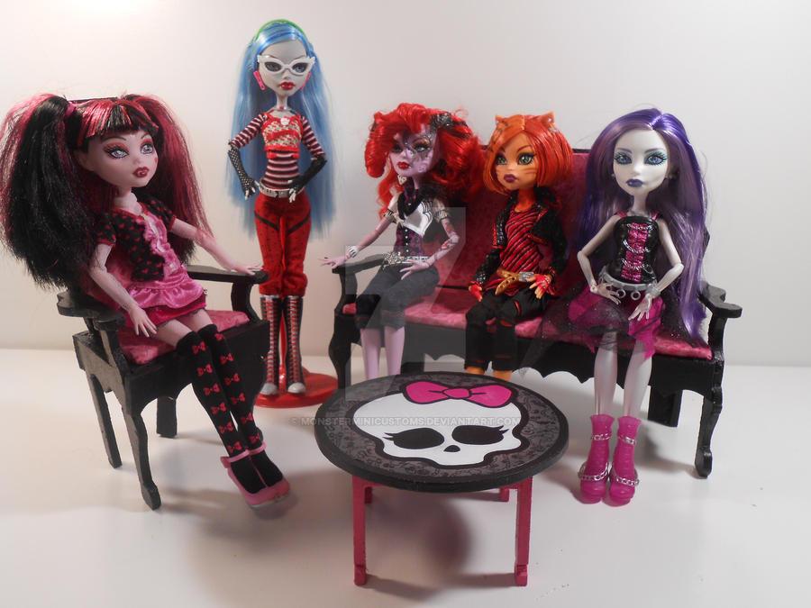Monster High Furniture Coffin Living Room By Monsterminicustoms On Deviantart