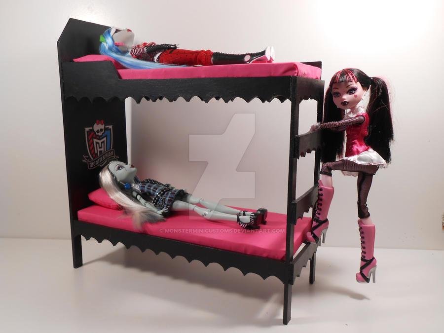 Monster High Furniture   PINK Dorm Bunk Beds 2 By Monsterminicustoms ...