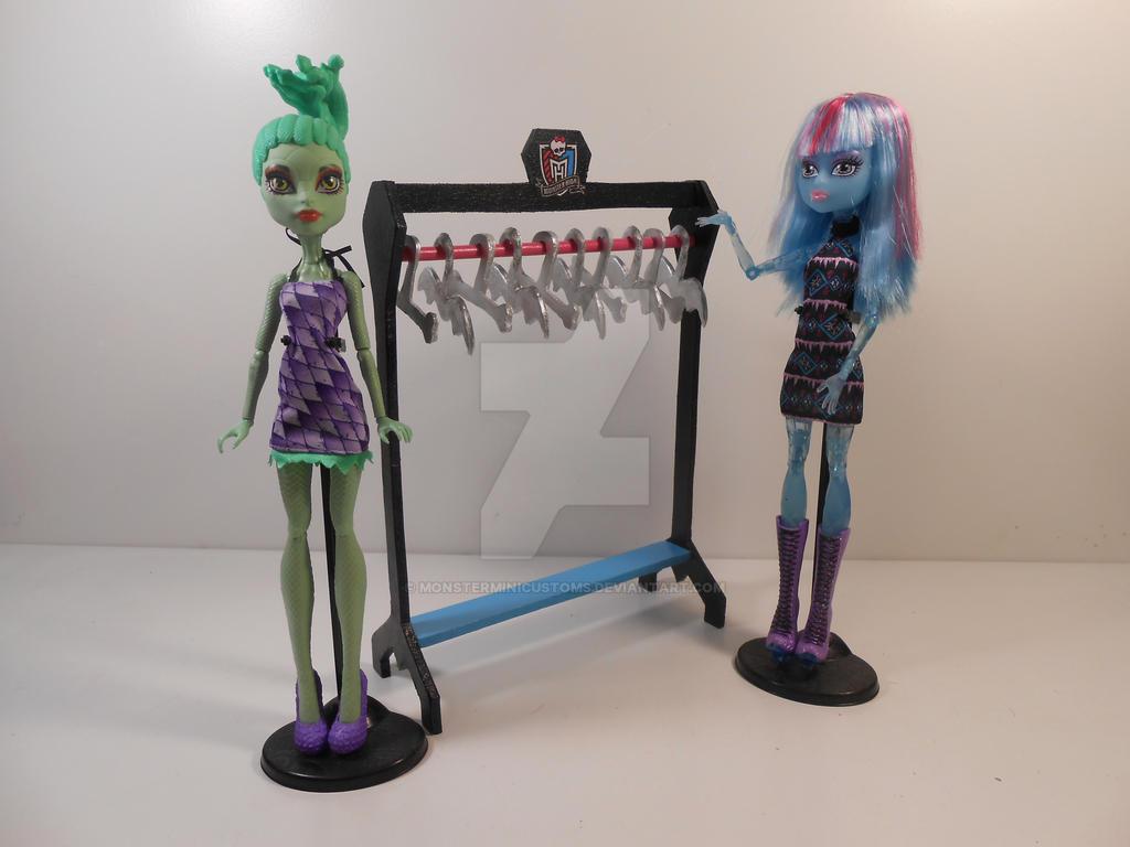 Monster High Furniture Basic Clothing Rack By Monsterminicustoms On Deviantart