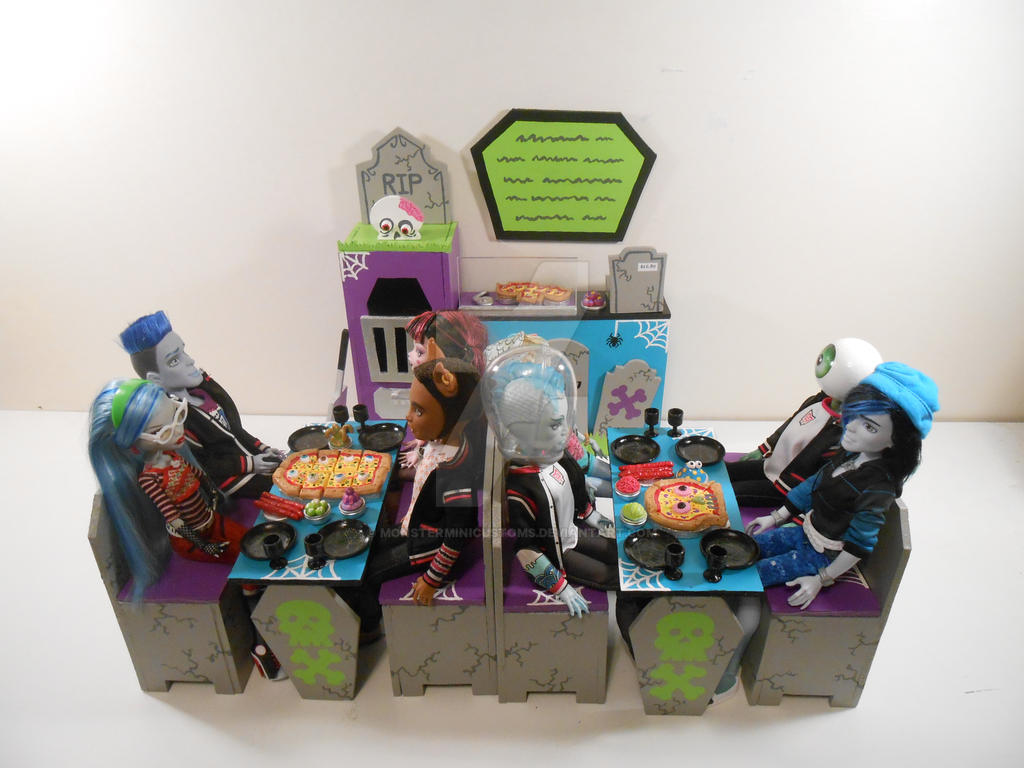 Superior Monster High Furniture   Crusty Crypt Pizzaria By Monsterminicustoms ...